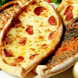 Pide (Pizza Turka)